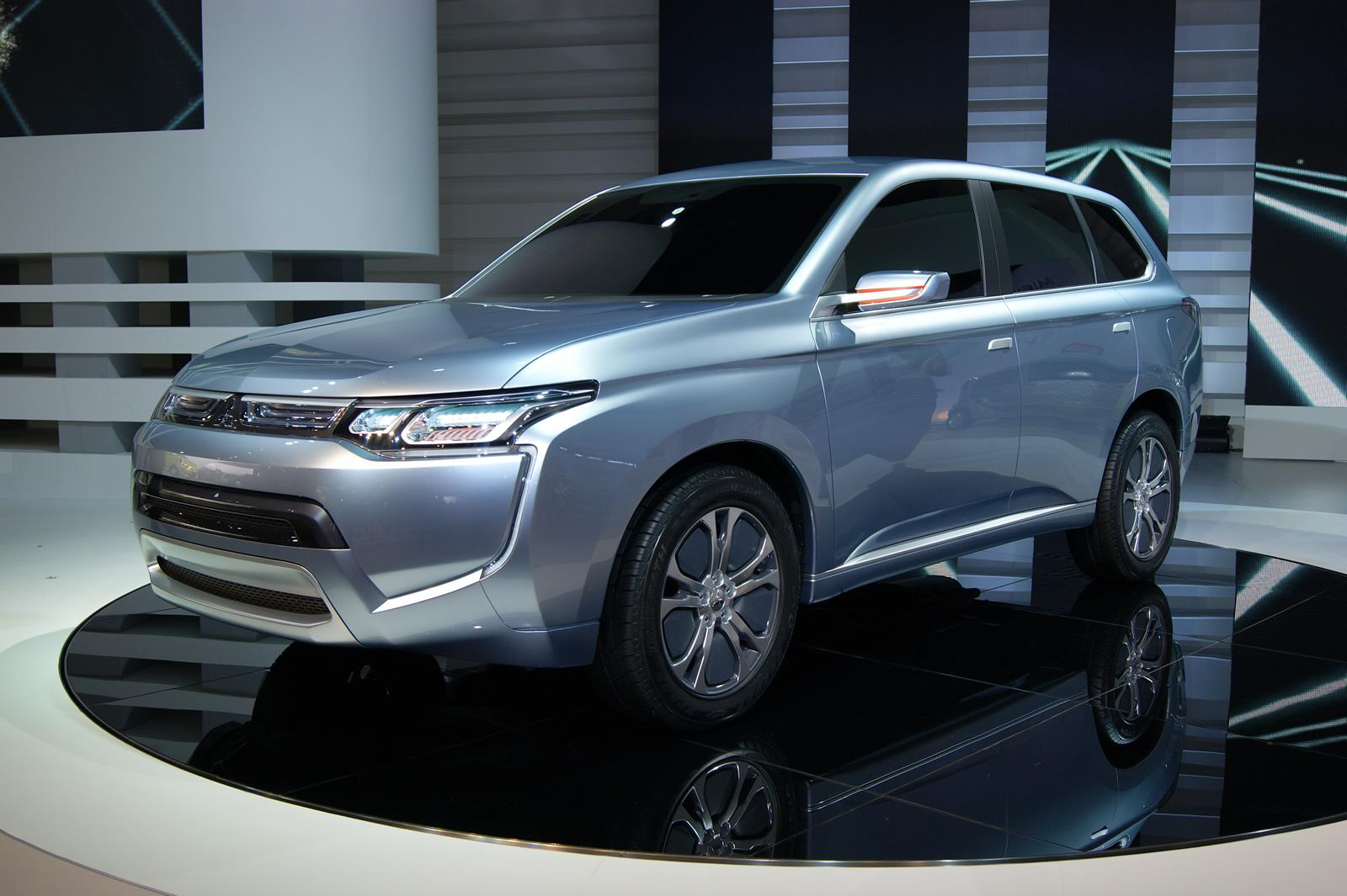 mitsubishi px miev ii awd hybrid suv concept unveiled electric vehicle news. Black Bedroom Furniture Sets. Home Design Ideas