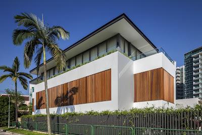 Rumah Minimalis Dengan Fasad Kisi-Kisi 1