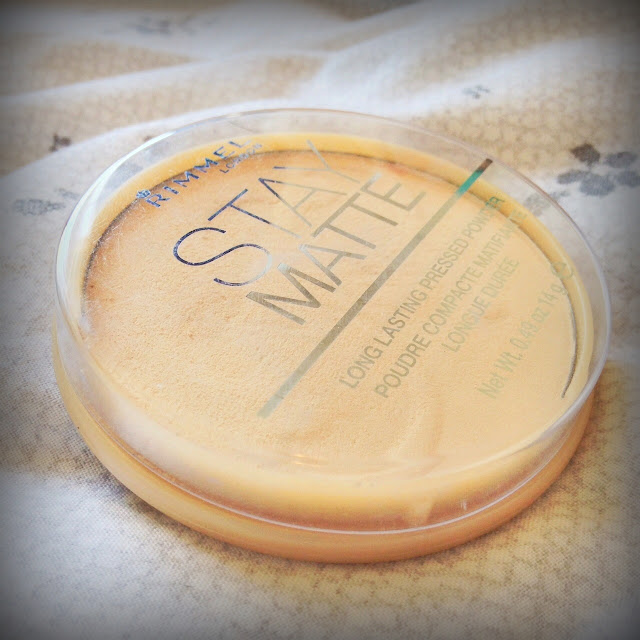 Photo of Rimmel Stay Matte Pressed Powder in Transparent