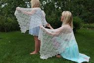 TE KOOP: shawl voor bruidsmeisje +voor de bruid.