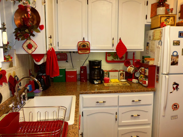 DEBBIE-DABBLE: The ReModel, Part 3, Kitchen and Powder Room Reveal!