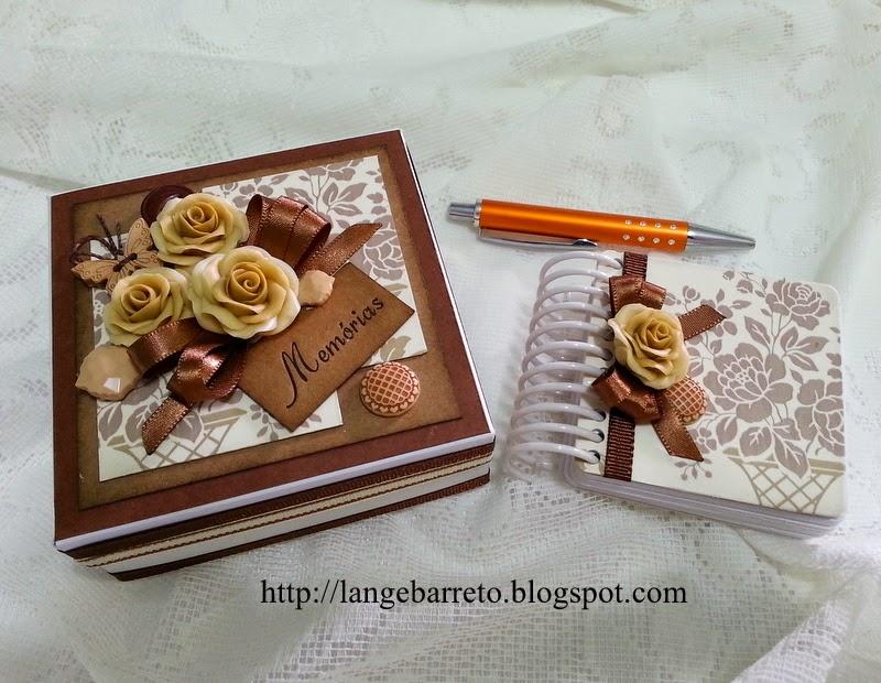 Caixa e mini album decorados flores porcelana fria