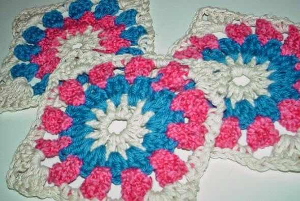 Free Crochet Patterns : How to Crochet Flower Granny Squares