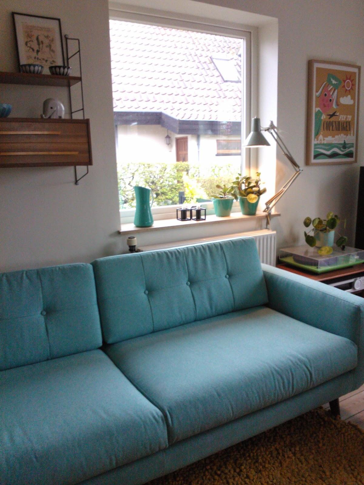 kirkesjov vores turkise sofa. Black Bedroom Furniture Sets. Home Design Ideas