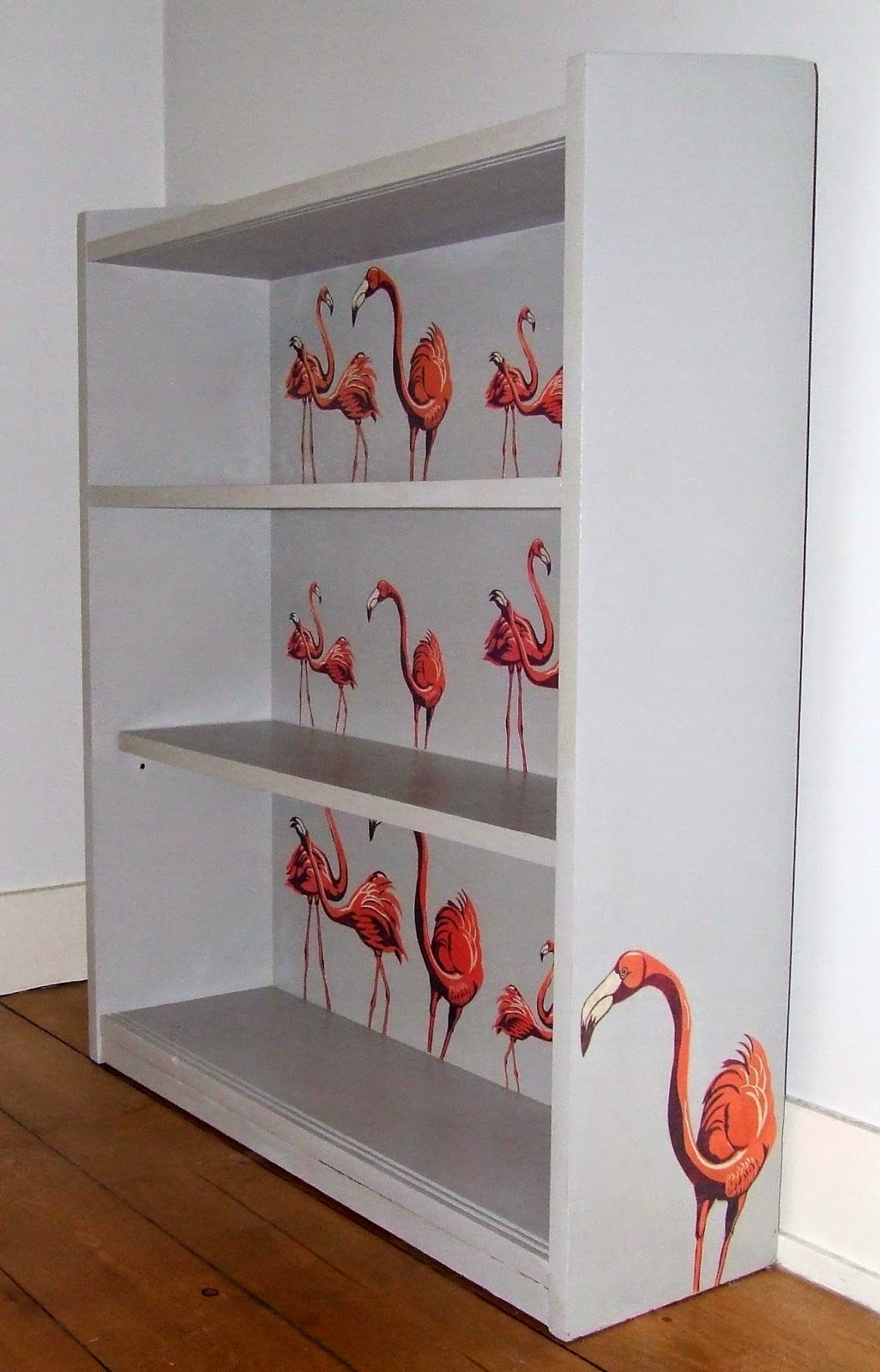 The finished flamingo bookcase