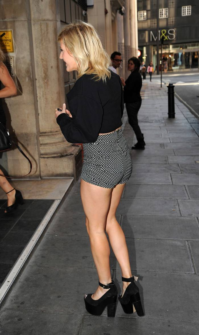 Ellie Goulding Outside the KISS FM Studios in London