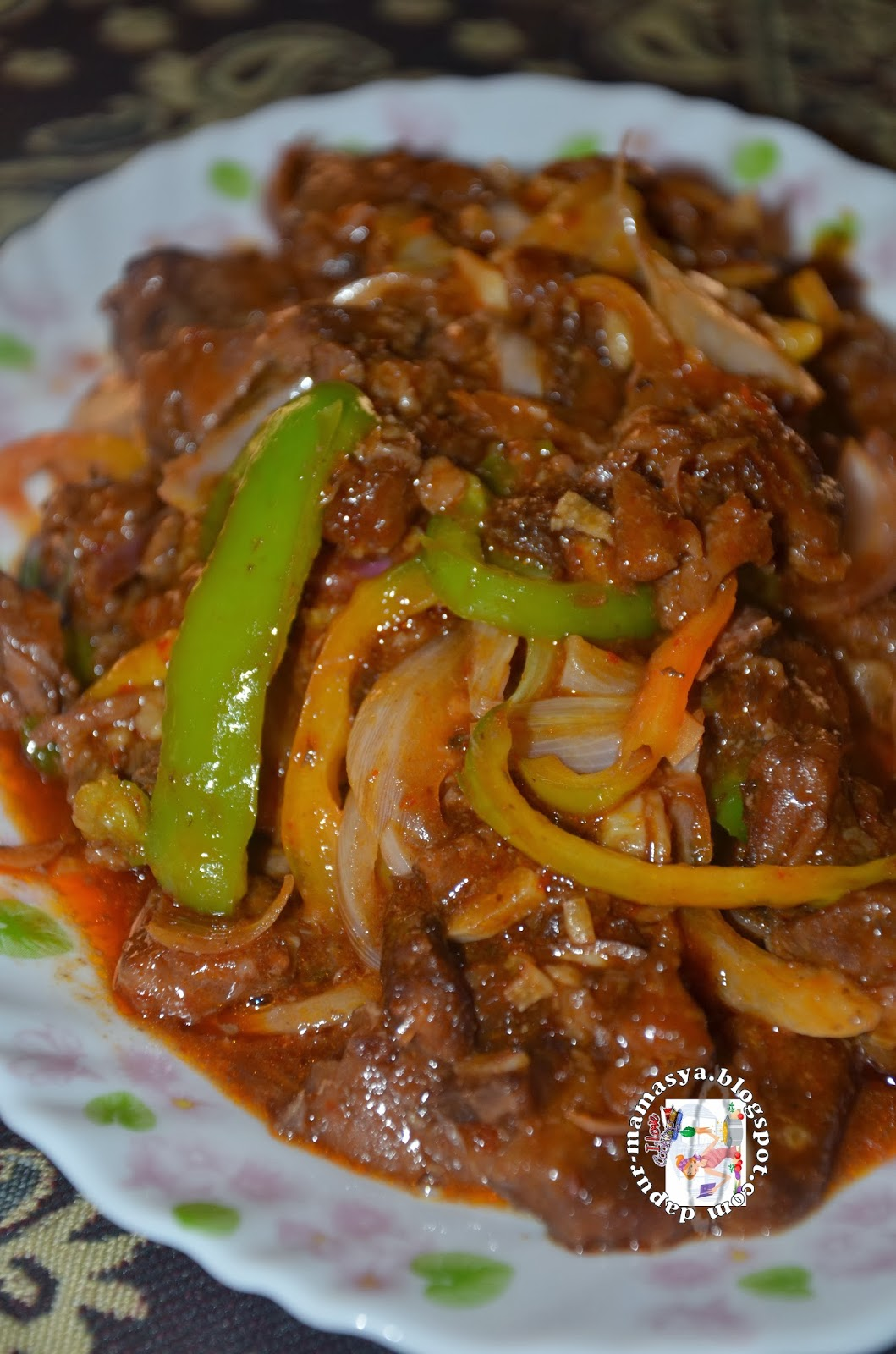Dapur Mamasya: Daging Masak Merah Ala Thai....Simple je..