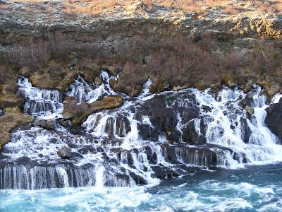 Cascada Hraunfossar, Islanda