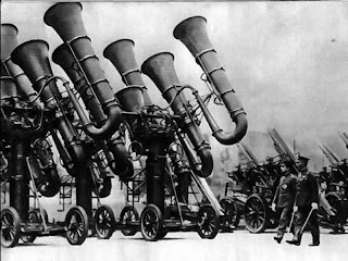 De oorlogstuba: oren van het leger