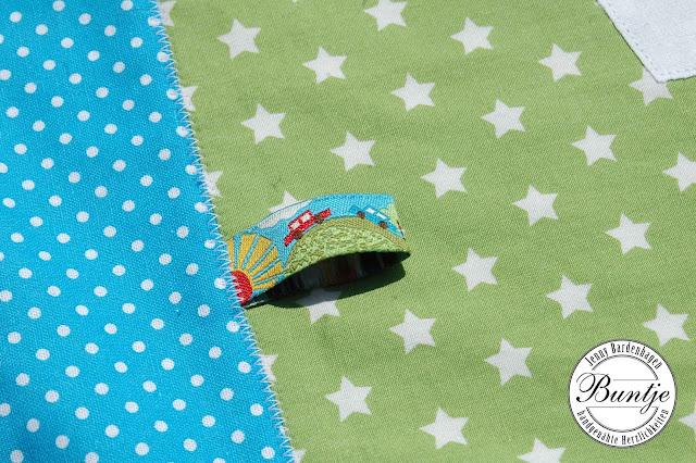 Kuscheldecke Krabbeldecke Decke Baby Patchwork Namen individuell individualisierbar Baumwolle Fleece türkis grün Trecker Traktor Webband handmade Buntje