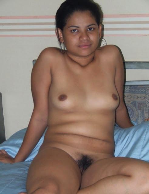 Andhra Telgu Girl-Topless