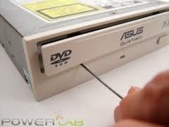 Hướng dẫn giải quyết nhanh vấn đề kẹt đĩa DVD của máy tính 1