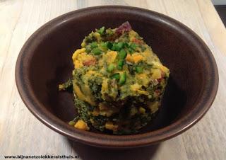 foto van boerenkoolstamppot met zoete aardappel en chorizo