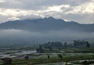 Jalur Pendakian dan Sejarah Gunung Cakrabuana
