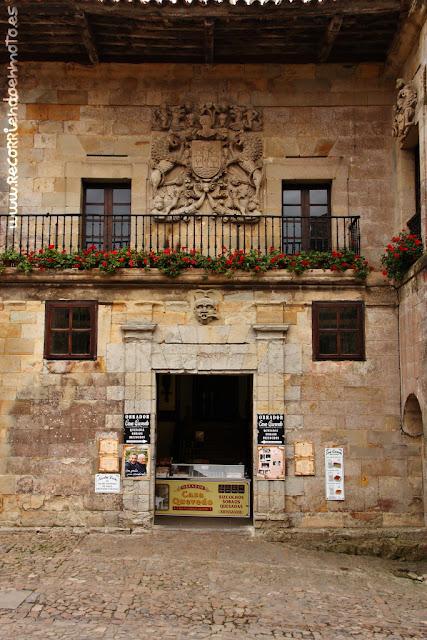 Casas de Cossío y Quevedo, Santillana del Mar
