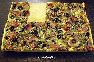 pizza z ciasta francuskiego