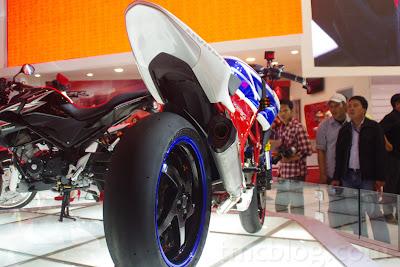 Modifikasi Honda CB150R StreetFire