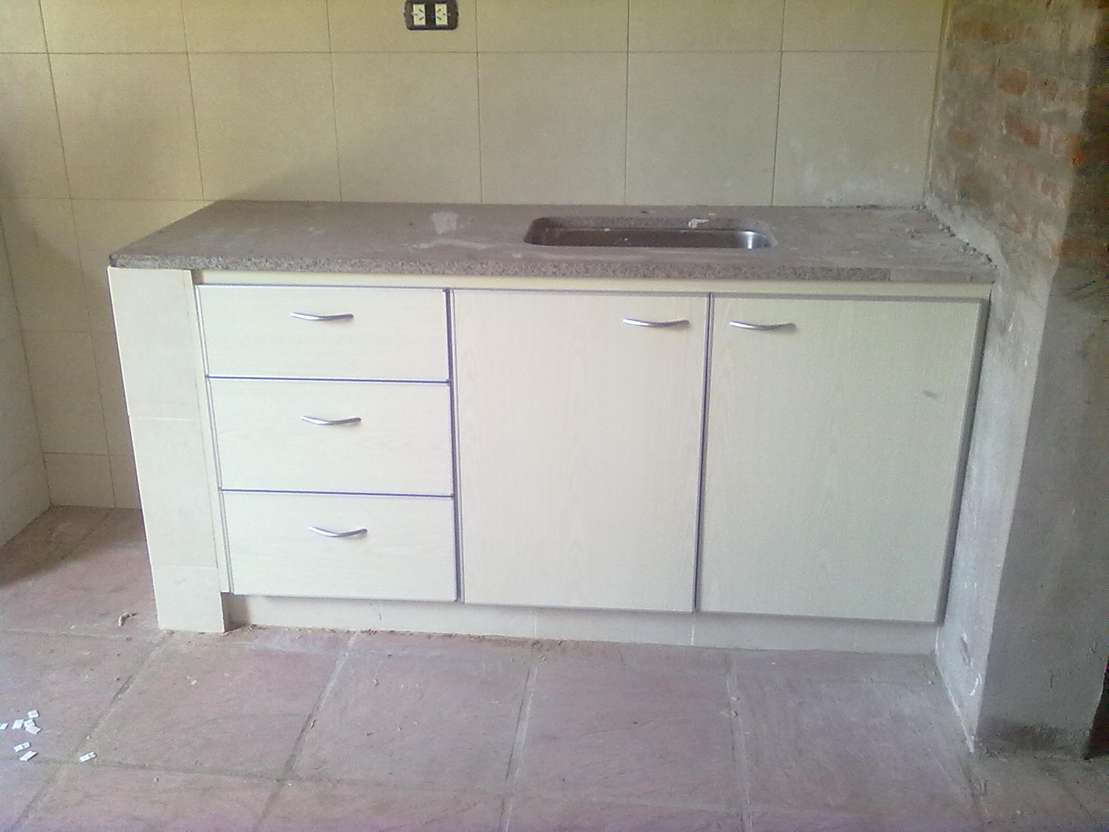 Muebles a medida tandil bajo mesada en fresno abedul con - Muebles de cocina fotos ...