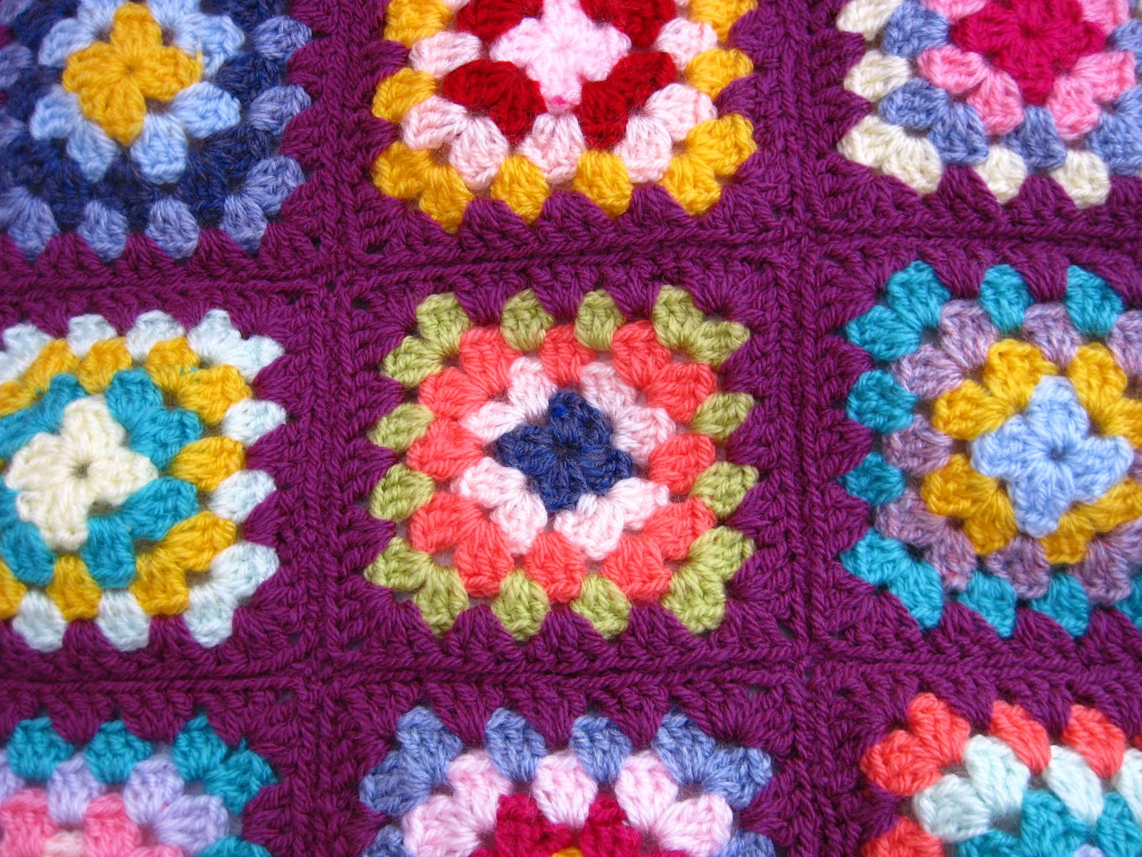 Crocheting Granny Squares Together Video : Bunny Mummy: Sewing Granny Squares Together