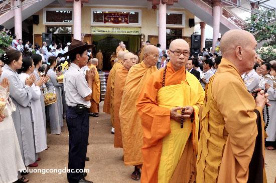 Cung tiễn Trà tỳ Kim Quan Cố HT - Thích Giác Dũng - voluongcongduc.com -09
