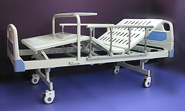 3. Homecare bed electric two functions 电动護理床二功能