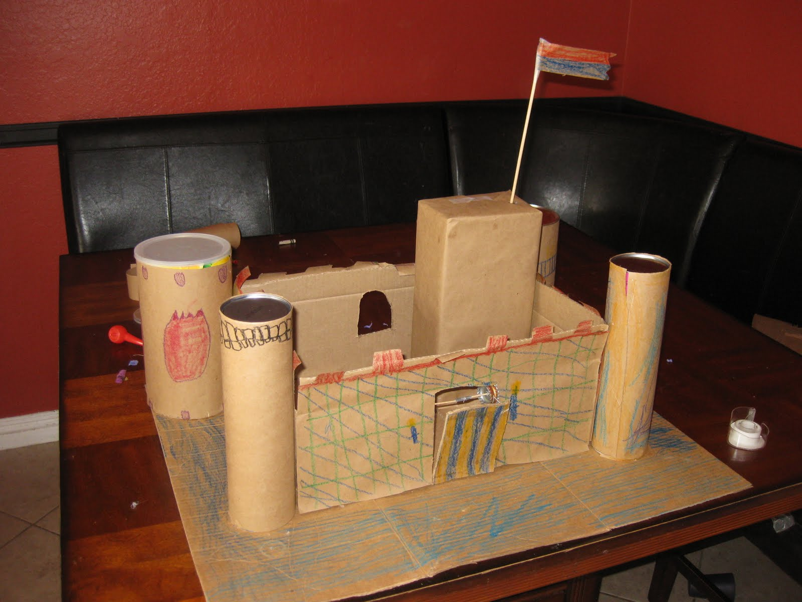 Shared jelly build a castle for Castle made out of cardboard boxes