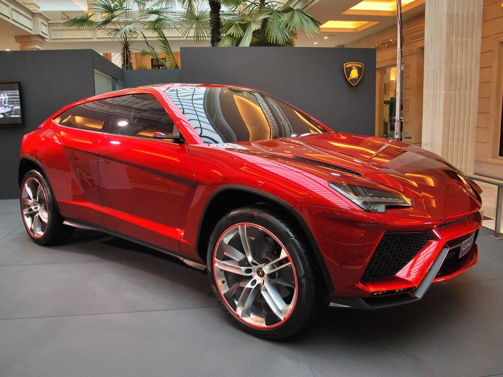 Modaya dair her sey.... ALL about Fashion: Lamborghini Urus SUV