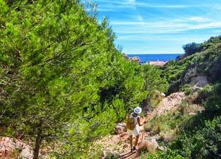 Wandelroute naar Cala Llebeig in Moraira