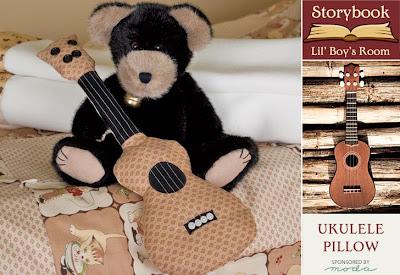 almofada modelo violão em patchwork