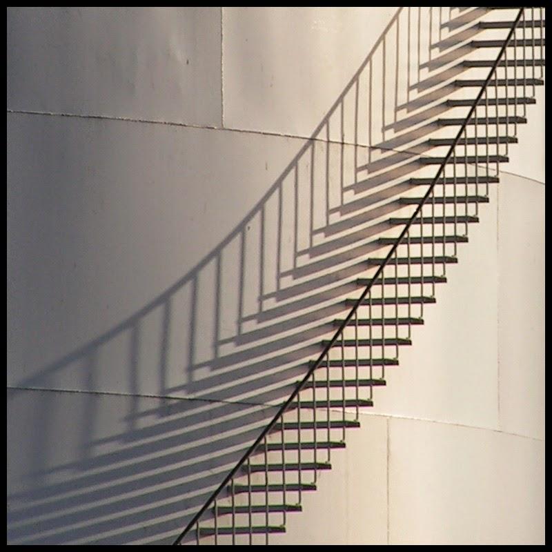 Formal Elements Line : Unit photography definition post lines