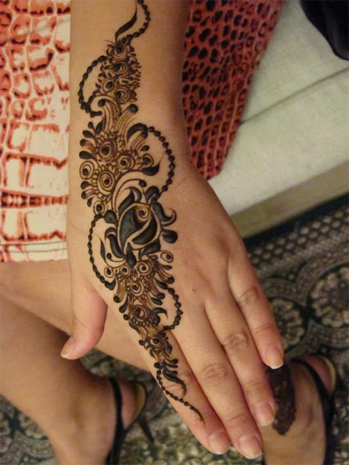 Henna Mehndi On Facebook : Women dresses fashion trends in pakistan simple