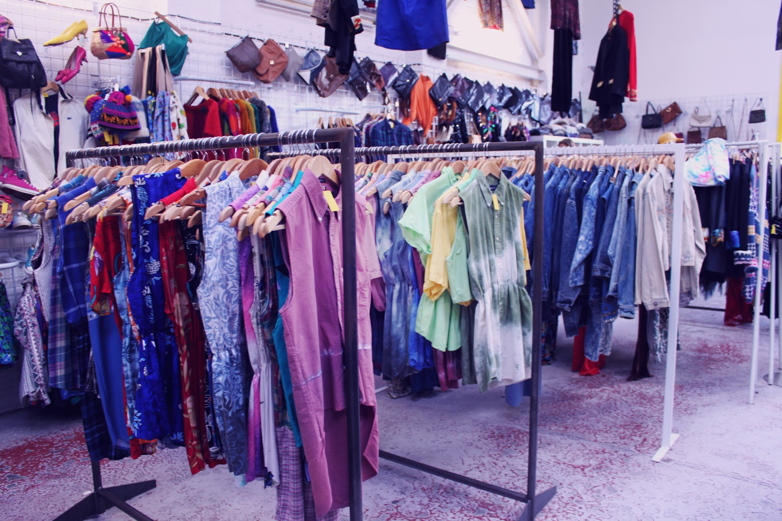 Stores That Sell Vintage Clothing
