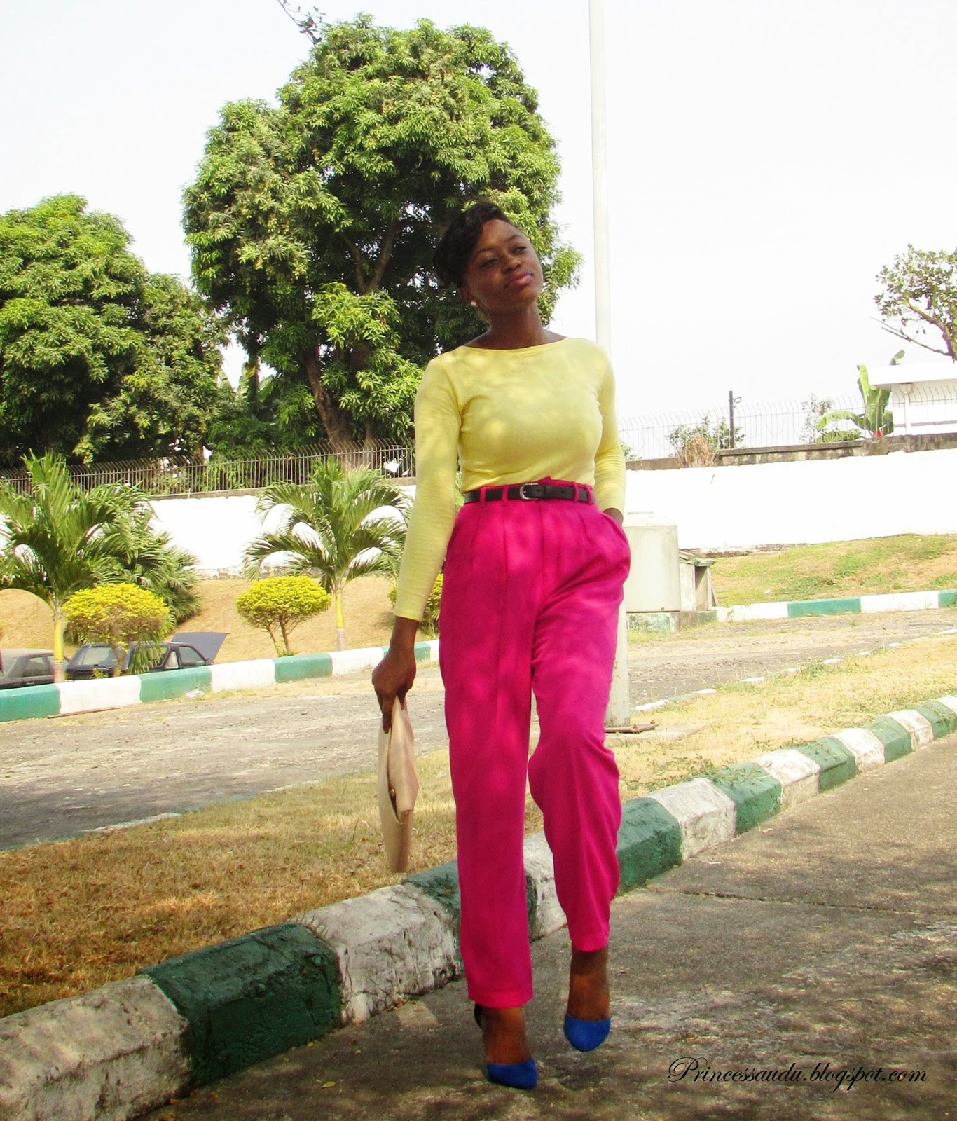colour blocking, pink high-waist trousers, pants, blue pumps