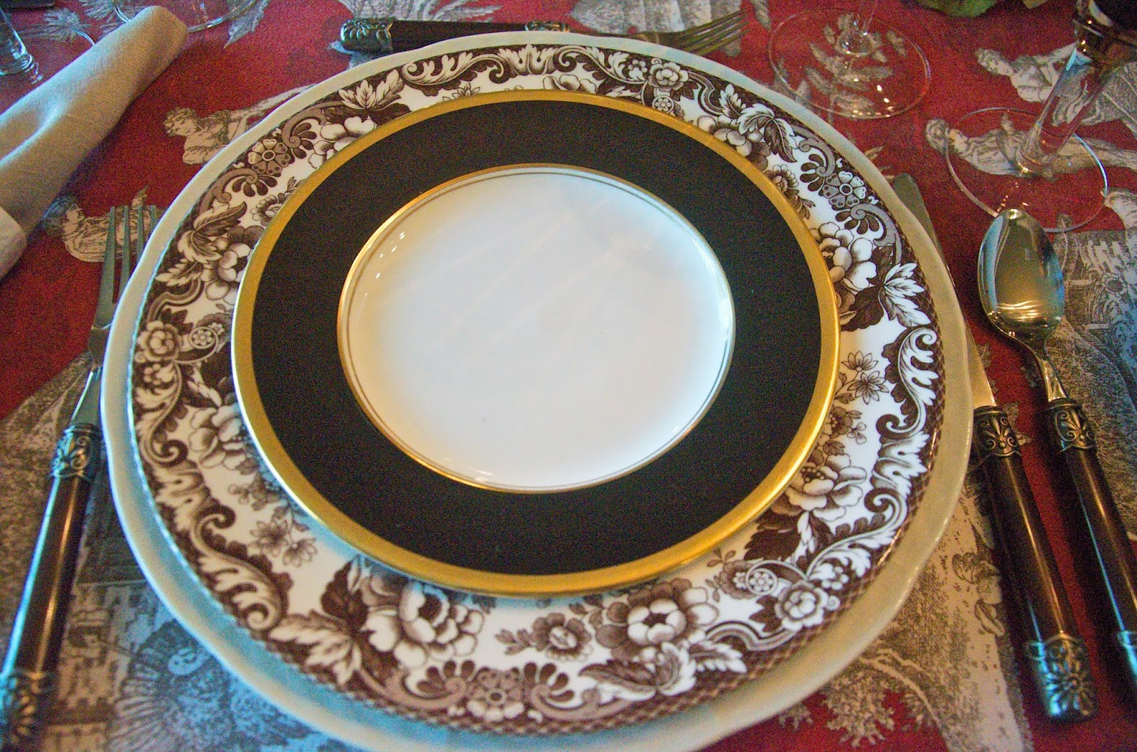 You might be familiar with the Woodland Spode pattern. The Delamere is the same plate minus the animals in the center. & Entertaining Women: Whatu0027s Brown and White and Red All Over?