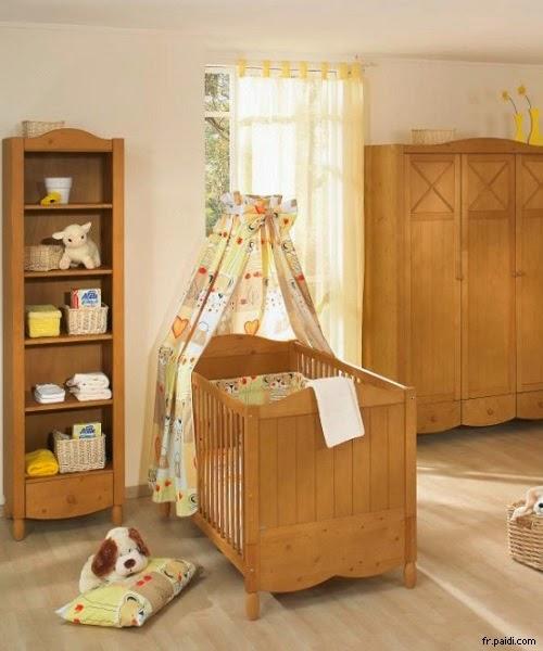 Image chambre de bébé garçon en bois