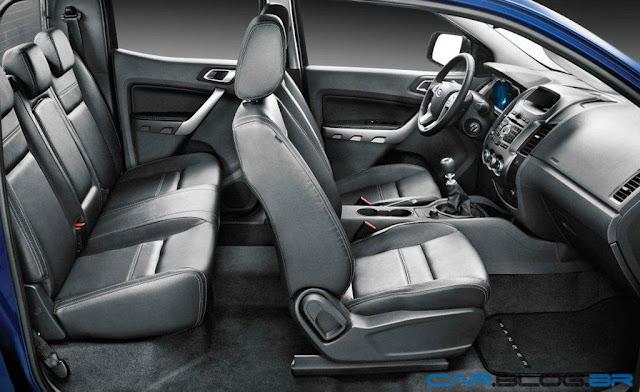 Nova Ford Ranger 2013 XLT Limited 3.2 Diesel - por dentro