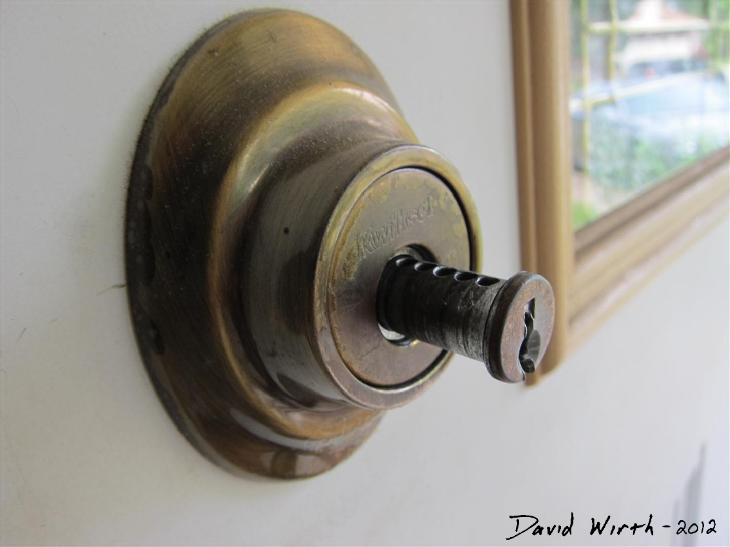 Charmant Broken Front Door Lock, How To Fix A Dead Bolt Lock, Key Lock Broken