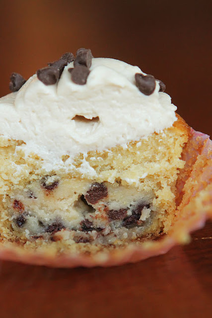 Lady Anne's Cottage: Chocolate Chip Cookie Dough Cupcakes Recipe...
