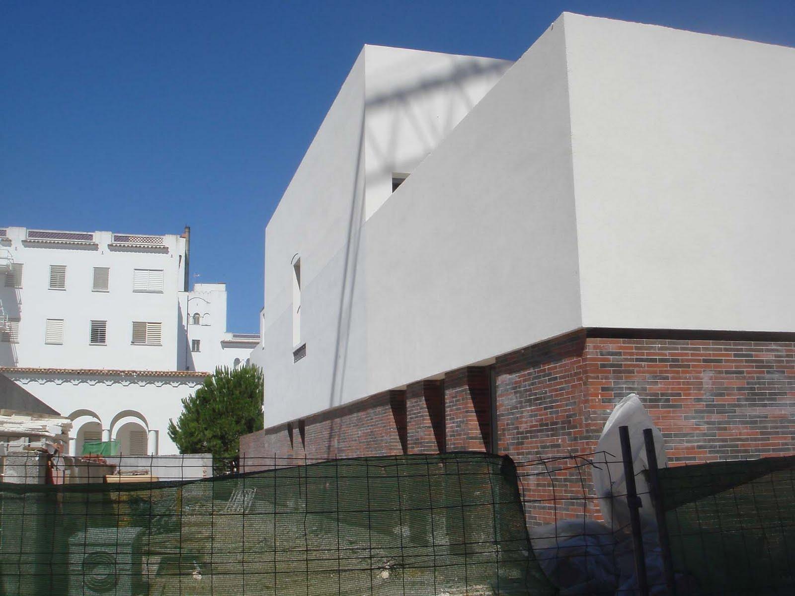 Arquitectura campos alcaide comunidad terap utica de puerto real - Arquitectura tecnica sevilla ...