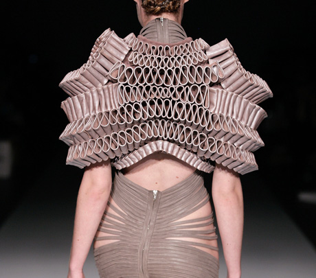Hyperbolic Crochet Geometry Architecture And 3 D Printing In Fashion Design