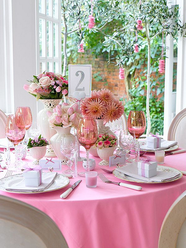 Valentine's day party ideas: 11 unique table decoration ...