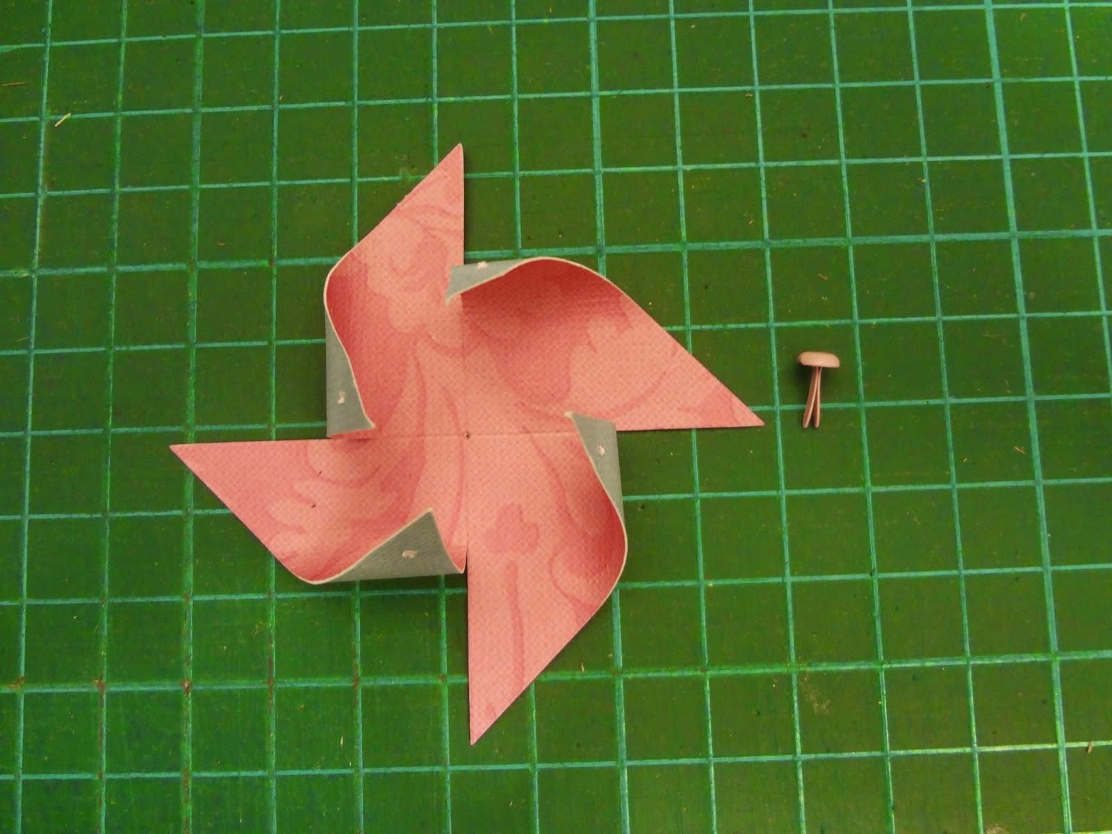 Ispirazzjoni: Скрапбукинг. Как сделать декоративную ветряную мельницу из бумаги своими руками.