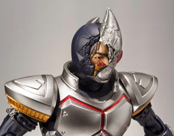 S.H. Figuarts Masked Rider Blade (Broken Head ver.) Offcial image 03