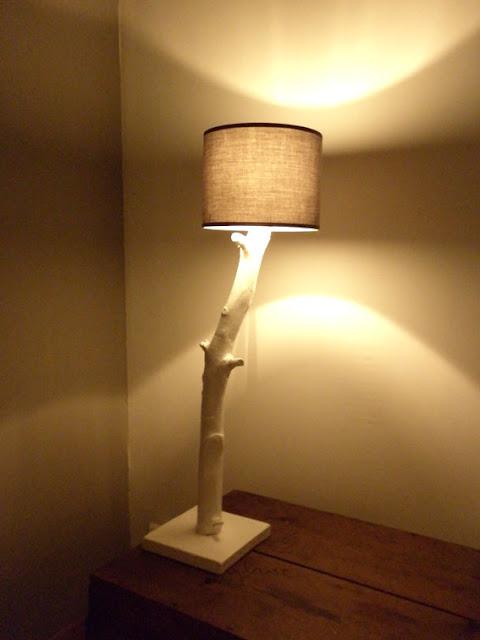 lampe avec des branches