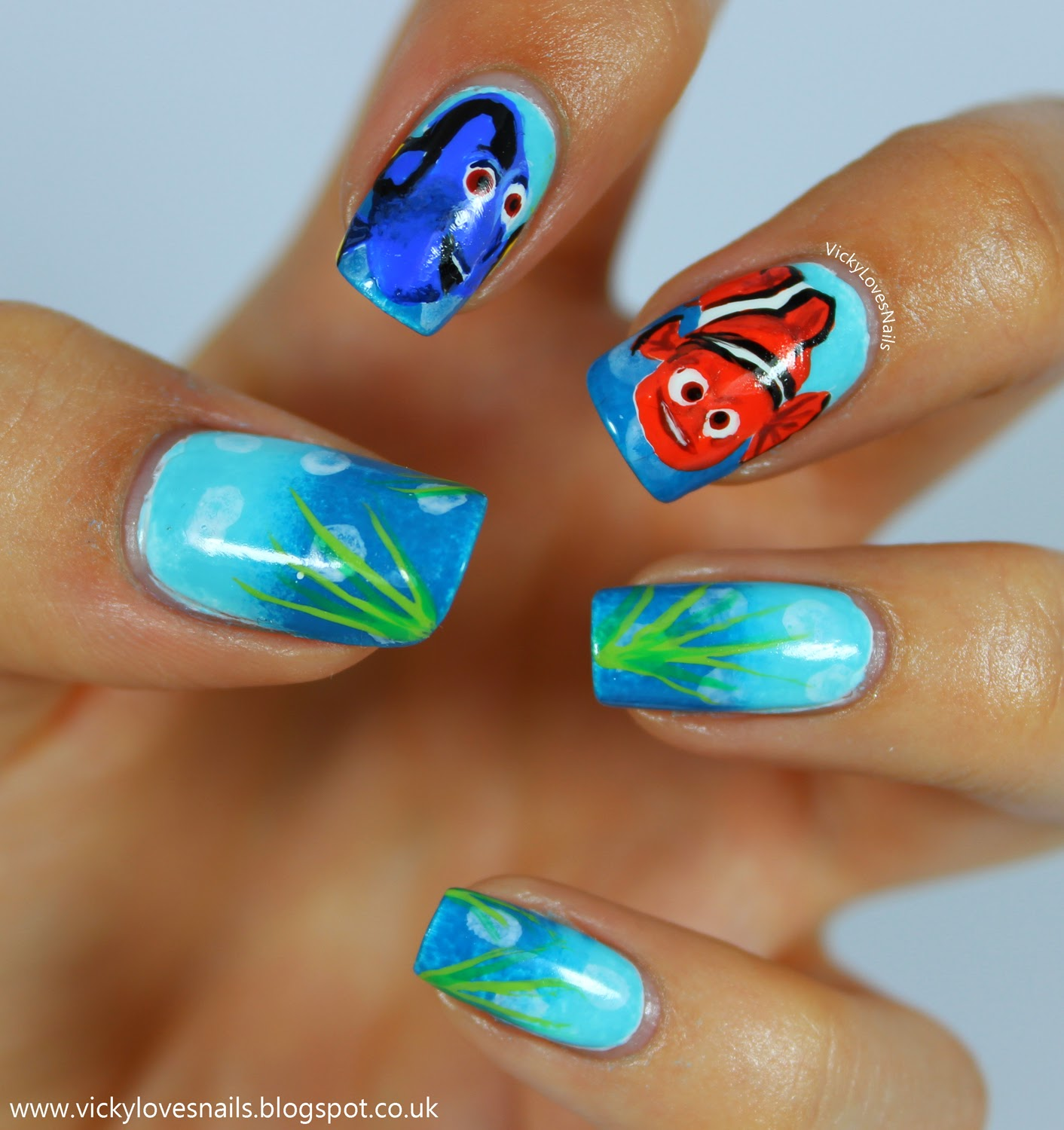 Vicky loves nails life in lacquers nail art challenge film or i started these nails off with a gradient using barielle surfs up and an unnamed color club i then added my bubbles using sinful colors snow me white prinsesfo Gallery