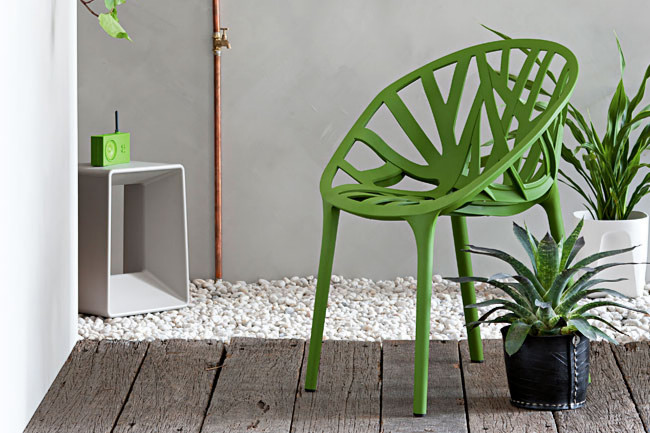 Coastal style funky outdoor furniture for Funky garden furniture designs