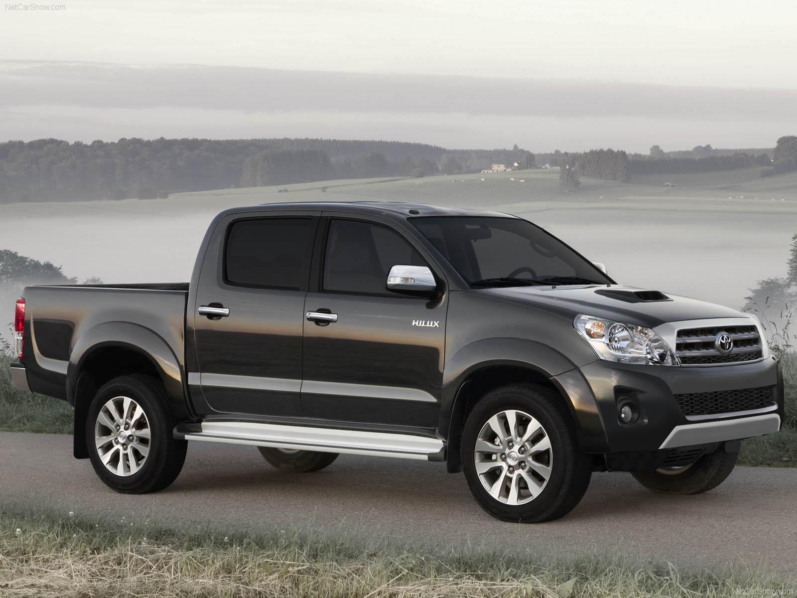 New Toyota Hilux 2015