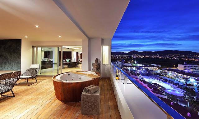 Luxury life design ushua a beach hotel in ibiza the for Design hotel ibiza