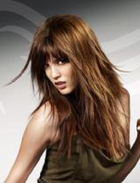 no existe nada mas sexy y femenino que un cabello largo y con ondascomo ya sabemos el pelo largo sigue de moda en todas las formas y cortes posiblesya sea