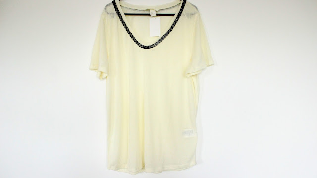 H&M CREAM STATEMENT TOP